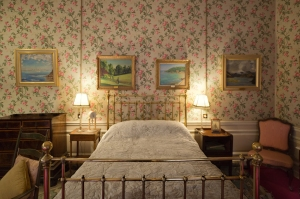 Sir Winston Churchill's Birth Room, Blenheim Palace, Woodstock, 2014 by Leslie Hossack