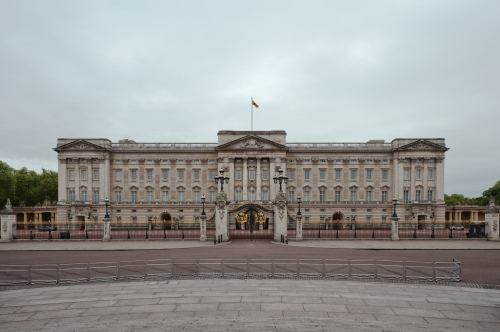 Buckingham Palace, London 2014 by Leslie Hossack