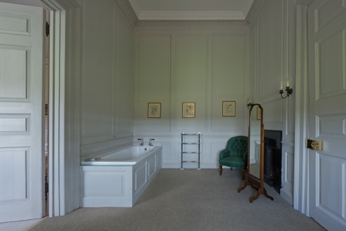 Prime Minister's Bathroom, Ditchley Park 2014 by Leslie Hossack
